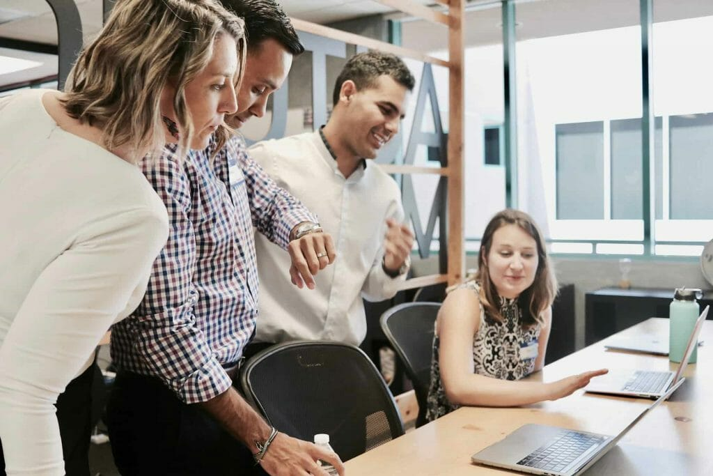 equipo de trabajo en proyecto de inbound marketing